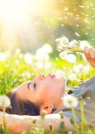 Lélegezzen szabadon, élvezze az élet újjáéledését – dr. Malte Hozzel írása az allergiáról